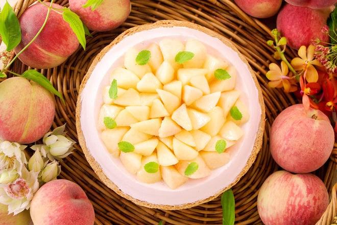 桃とチーズのタルト