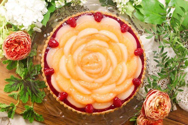 桃とグレープフルーツのタルト