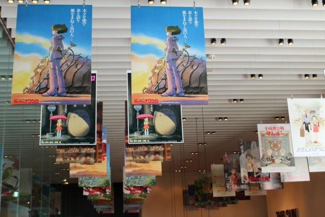 店内にはジブリ映画のポスターパネルがずらり