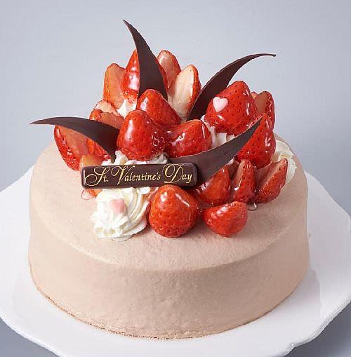 苺いっぱいのチョコデコレーション