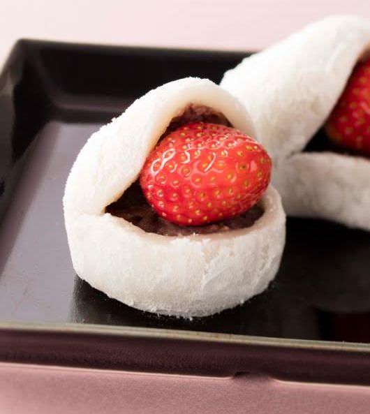 特撰 静岡県産きらぴ香の大きな苺大福 つぶ餡