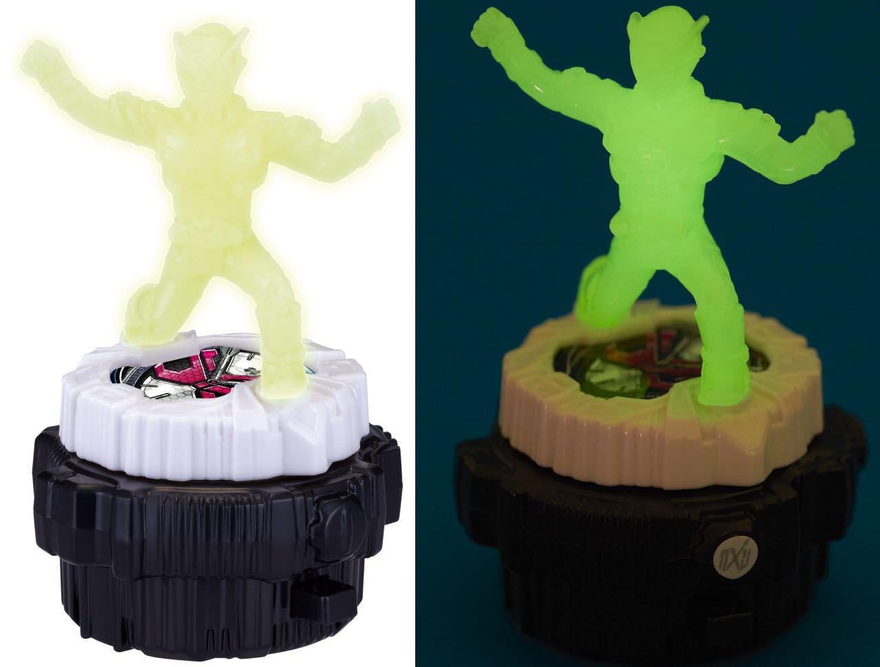 暗闇で光る︕仮面ライダージオウ スピナー(右が光った状態)