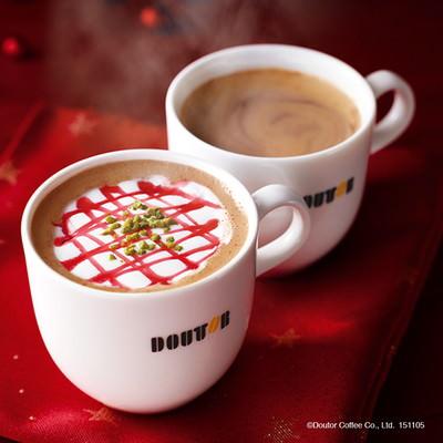 手前から「カフェ・ショコラ フランボワーズ」「カフェ・ショコラ」(いずれもホット)